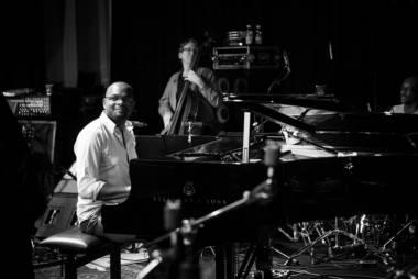 http://www.ccsparis.com/events/view/jerry-leonide-quintet-guest-paul-plexi